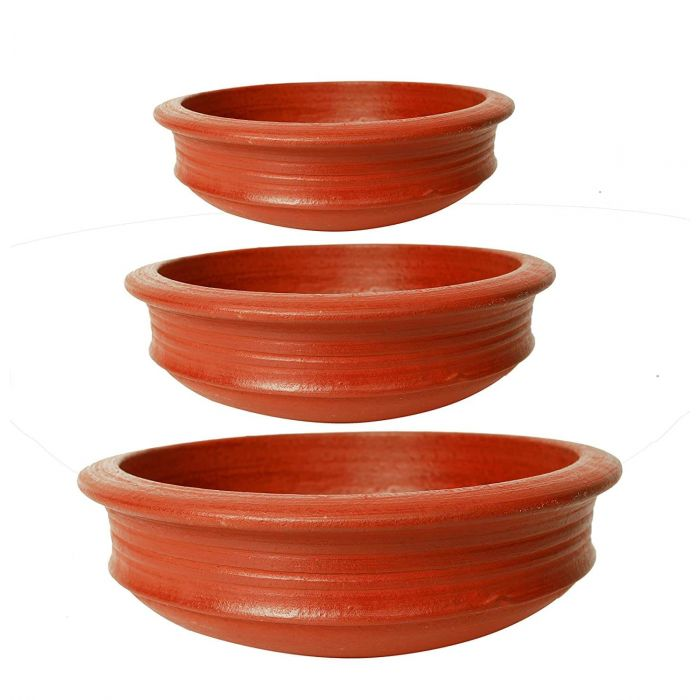 Healthy Cooking with clay Pots. sustainable living.
